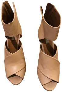 6ce7357999d Zara Wedges - Up to 90% off at Tradesy
