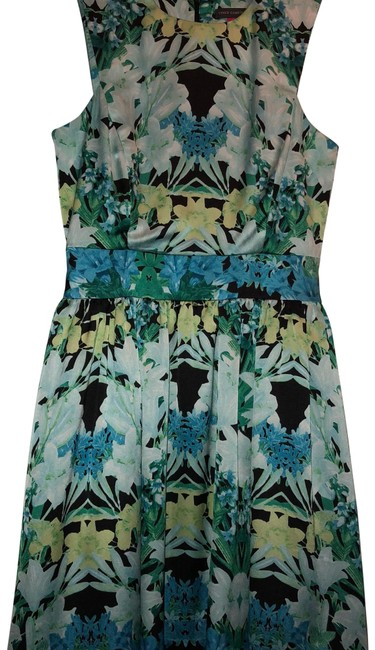 Preload https://img-static.tradesy.com/item/24322175/vince-camuto-blue-green-floral-short-cocktail-dress-size-4-s-0-2-650-650.jpg