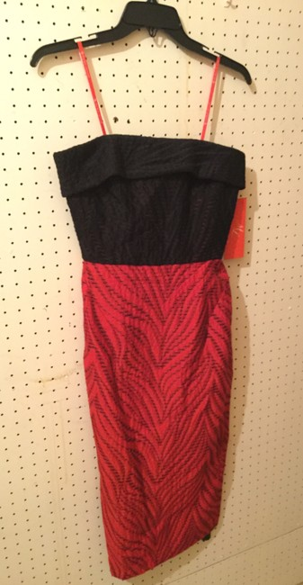 Monique Lhuillier Holiday Strapless Fitted Evening Comfortable Dress Image 3