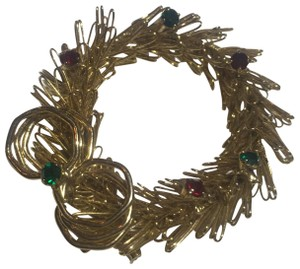Vintage Vintage Gold Wire Christmas Wreath Stone Brooch Pin