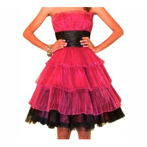 Betsey Johnson Prom Wedding Fuchsia Dress