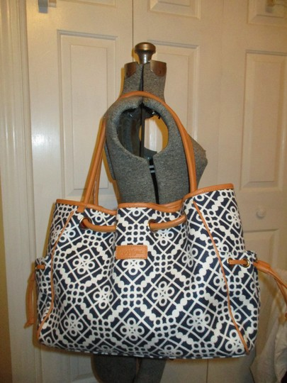 Spartina 449 Large Linen Leather 001 Tote in black, white & tan Image 1