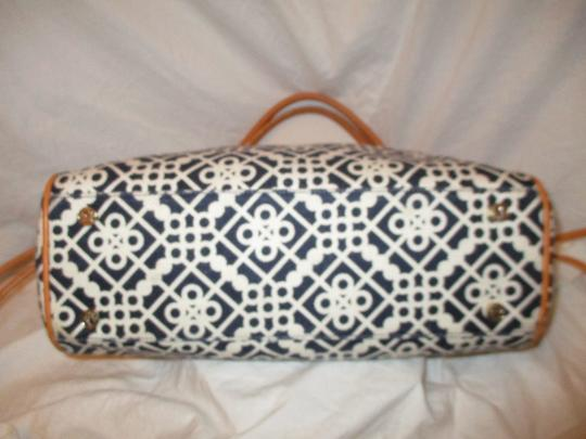 Spartina 449 Large Linen Leather 001 Tote in black, white & tan Image 6