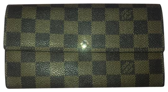 Preload https://img-static.tradesy.com/item/24323029/louis-vuitton-sarah-wallet-0-3-540-540.jpg