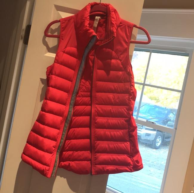 Item - Pink Puffer Vest Size 6 (S)