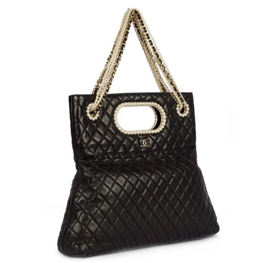 Preload https://img-static.tradesy.com/item/24323347/chanel-timeless-rare-limited-edition-westminster-pearl-convertible-black-lambskin-tote-0-1-540-540.jpg