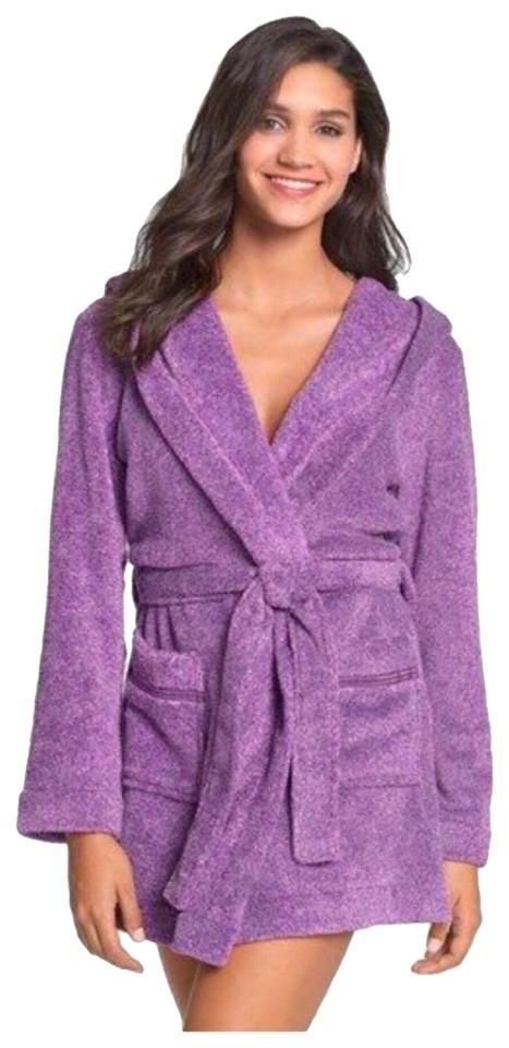 Make + Model HOODED PLUSH SUPER SOFT SHORT ROBE WITH POCKETS Image 0 ... 39ea1ee37