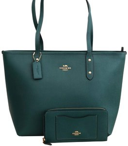 Coach Tote in Dark Turquoise