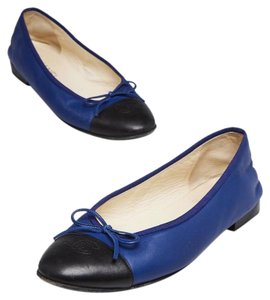 Chanel Couture Fall Ballet Timeless Classic Black & Blue Flats