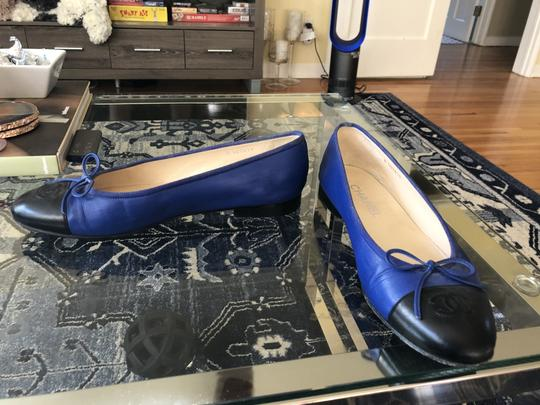 Chanel Couture Fall Ballet Timeless Classic Black & Blue Flats Image 6