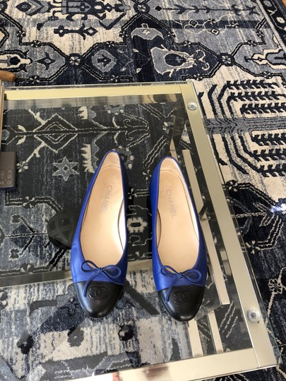 Chanel Couture Fall Ballet Timeless Classic Black & Blue Flats Image 9