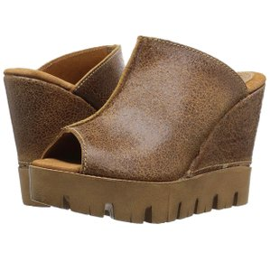 Sbicca brown Mules