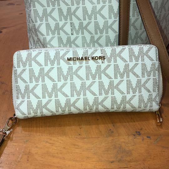 Michael Kors Satchel in White/ Vanilla