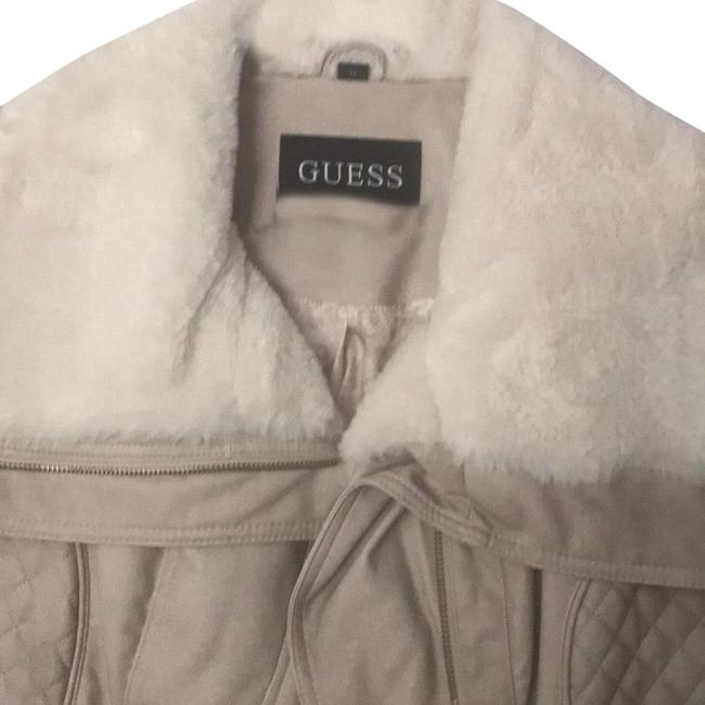 Preload https://img-static.tradesy.com/item/24327455/guess-cream-faux-fur-jacket-size-8-m-0-3-650-650.jpg