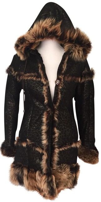 Preload https://img-static.tradesy.com/item/24327597/blackbrown-genuine-shearling-girls-coat-size-0-xs-0-4-650-650.jpg