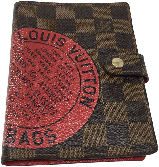 Preload https://img-static.tradesy.com/item/24327643/louis-vuitton-agenda-pm-trunks-limited-edition-wallet-0-3-540-540.jpg