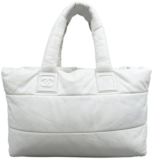 Preload https://img-static.tradesy.com/item/24327648/chanel-cocoon-large-coco-reversible-ivory-lambskin-leather-tote-0-1-540-540.jpg
