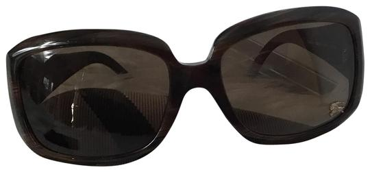 Preload https://img-static.tradesy.com/item/24327793/burberry-brown-b-4039-302273-with-case-and-towel-cleaner-sunglasses-0-3-540-540.jpg
