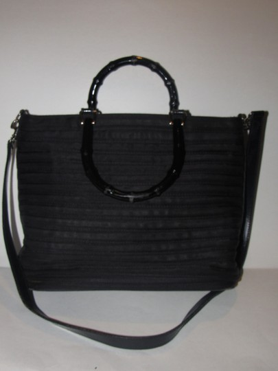 Gucci Two-way Style Mint Condition Tom Ford Era Beehive/Ribbed Body Satchel in black ribbed heavy canvas and leather with bamboo accents