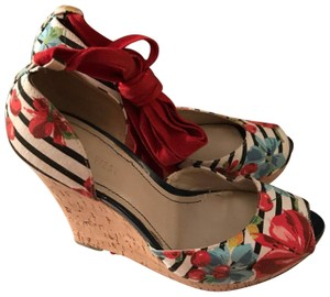 Nine West red, blue Wedges