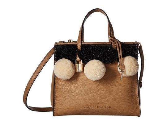 Preload https://img-static.tradesy.com/item/24330044/marc-jacobs-beads-pom-pom-mini-grind-purse-msrp-tanbrown-pebble-leather-tote-0-0-540-540.jpg