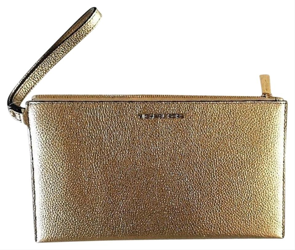 Michael Kors Nwt Large Zip Clutch Bag Pale Gold Pebbled Leather