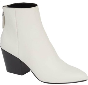 Dolce Vita white and black Boots