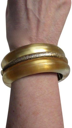 Preload https://img-static.tradesy.com/item/24331387/alexis-bittar-duo-tone-gold-wide-hand-carved-hinged-bangle-bracelet-0-3-540-540.jpg
