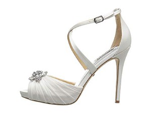 Badgley Mischka White Sadie Formal Size US 6.5 Regular (M, B)