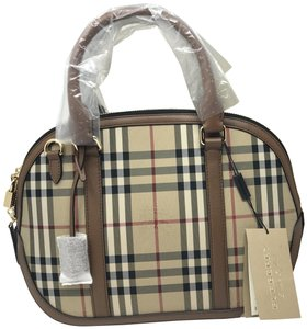 46788464d31d Burberry New with Tag Horseferry Check Small Orchard Bowling Beige ...