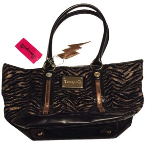 Betseyville by Betsey Johnson Tote in Black And Gold