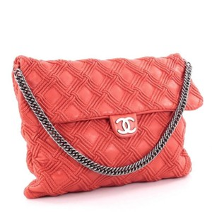 c0ac6593494b Red Chanel Totes - Up to 90% off at Tradesy