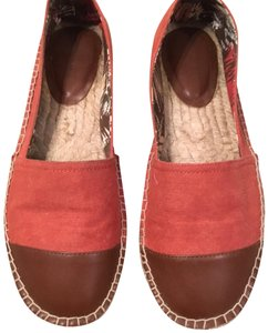 Kenneth Cole Reaction Rust Red Flats