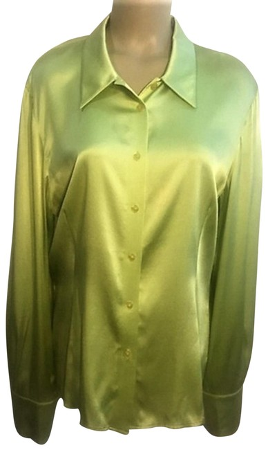 Preload https://img-static.tradesy.com/item/24338494/oscar-de-la-renta-green-silk-button-down-top-size-14-l-0-3-650-650.jpg