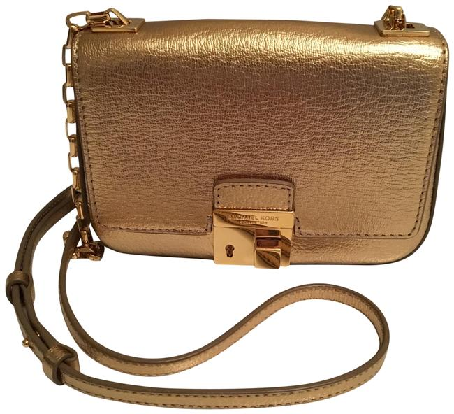 Item - Cocktail Purse Chain Strap Gold Leather with Hardware Baguette