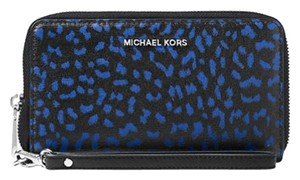 Michael Kors Leather Wristlet in Black