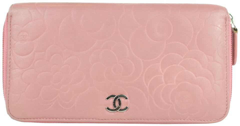 5a4db0085a62a4 Chanel Embossed Camellia Gusset Zip Around Wallet 2cj1110 Pink Leather  Clutch