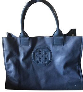Tory Burch Tote in blue/ navy blue