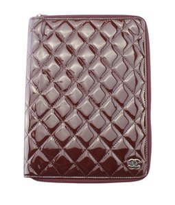 Chanel Chanel Agenda GM Burgundy Quilted Patent Leather Case (160637)