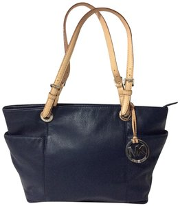Michael Kors Jet Set Item East West Leather Tote in Blue