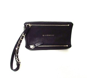 Givenchy Pebbled Zipper Classic Wristlet in Black
