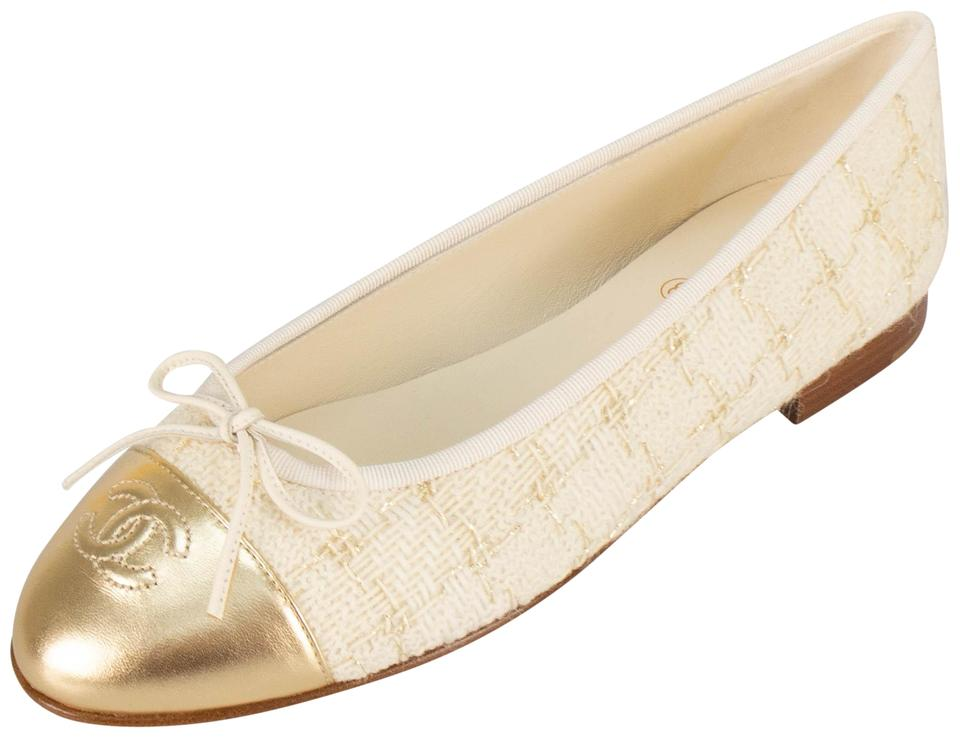 a0d3f0ce378f Chanel Ivory Tweed Cap Toe Leather Ballerina Flats. Size: EU 38.5 ...