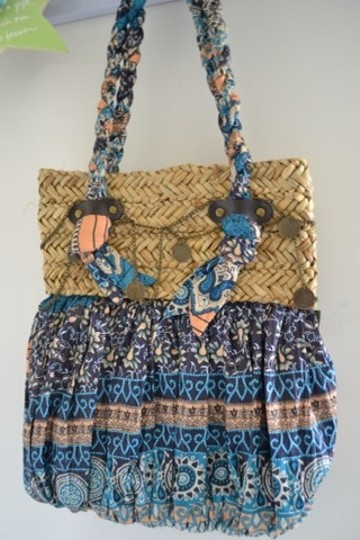 Sun and sand Shoulder Bag Image 3
