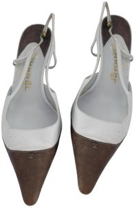 Chanel Slingback Kitten Kitten Heels Cc Logo Monogram Off White/Brown Pumps