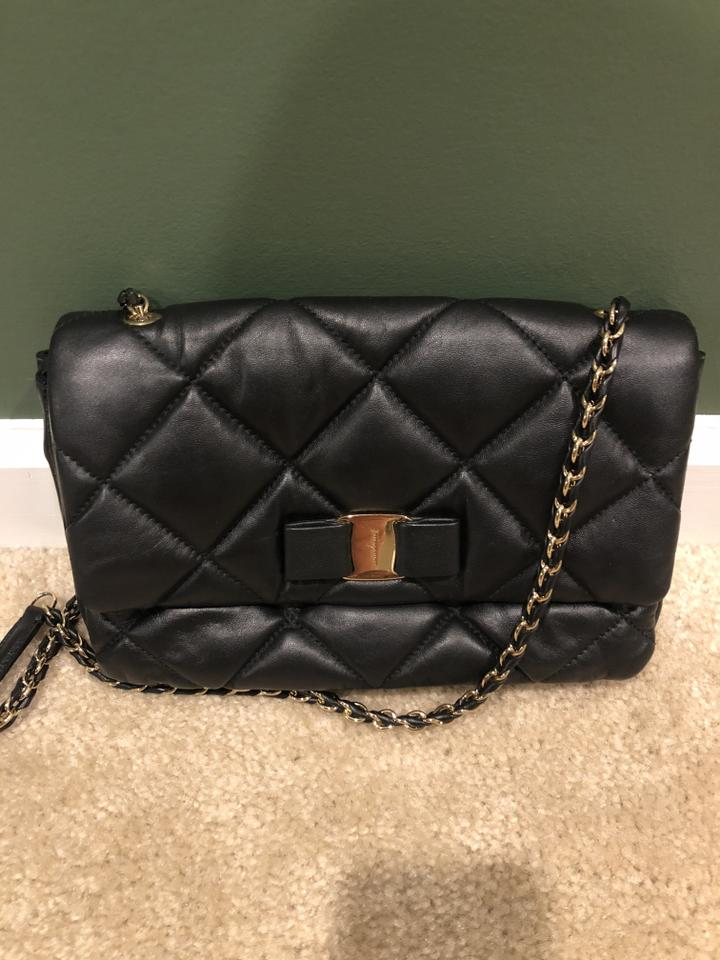 96e8fdcd9720 Salvatore Ferragamo Leather Leather Bow Vara Quilted Cross Body Bag. 1234567