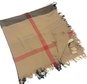 Burberry London House Check New Wool Square.
