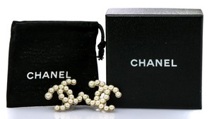 Chanel CC Faux White Pearls Accessory Earrings