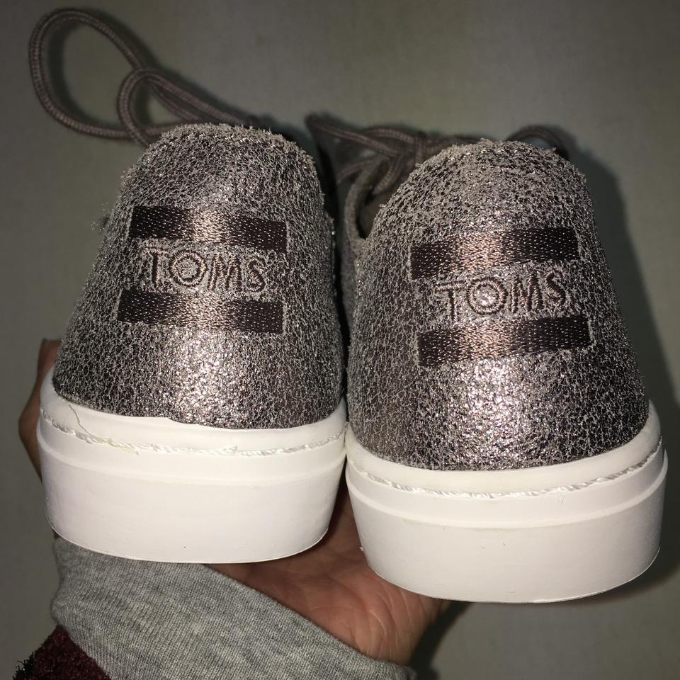 e571e2e13ed TOMS Pewter Metallic Leather Women s Lenox Sneakers Size US 5 ...