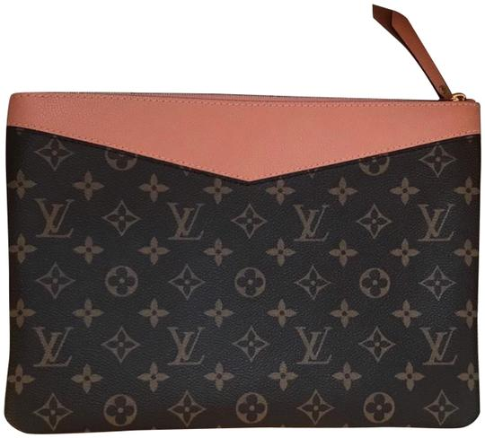 Preload https://img-static.tradesy.com/item/24347803/louis-vuitton-monogram-daily-pink-wristlet-0-2-540-540.jpg