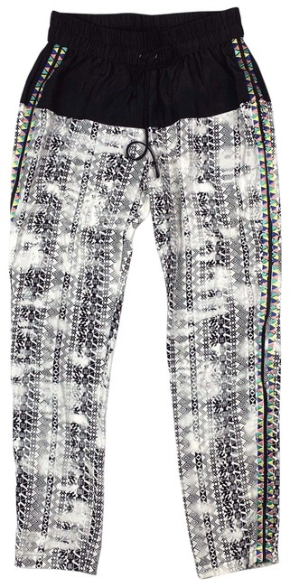 Preload https://img-static.tradesy.com/item/24348492/parker-multi-color-jogger-pull-on-women-silk-black-white-pants-size-0-xs-25-0-1-650-650.jpg